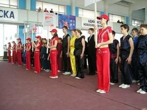Парад команд–участников чемпионата и первенства Сибирского федерального округа 2005 г.
