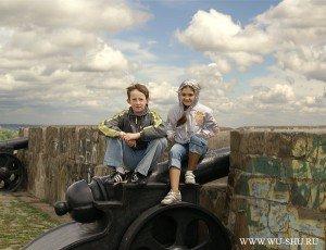 Евгений Гоголев и Злата Белокобыльская на знаменитом азовском валу - ворота в Черное море